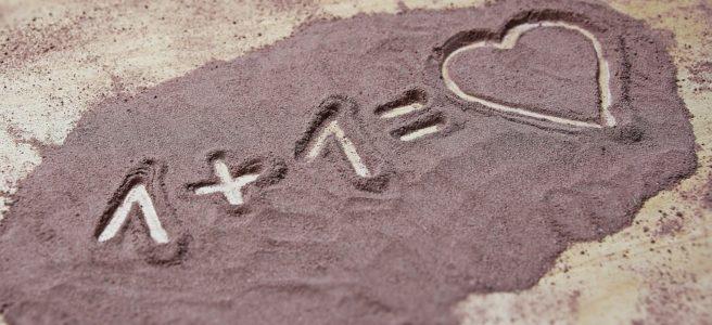 Auguri di San Valentino, le frasi più originali per la festa degli innamorati!